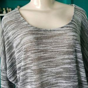 Olive & Oak Woman's TOP gray size XXL